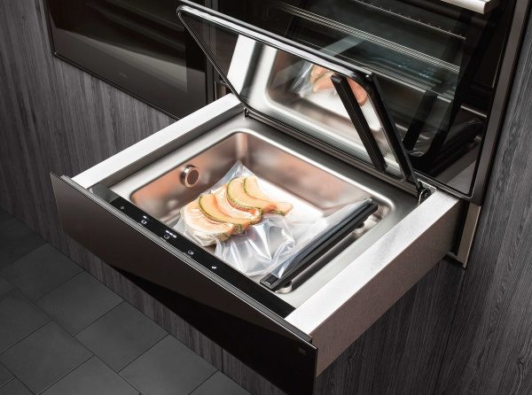 ASKO Vaccum drawer preparing food for Sous-vide cooking but also for storing, packing or portion food.