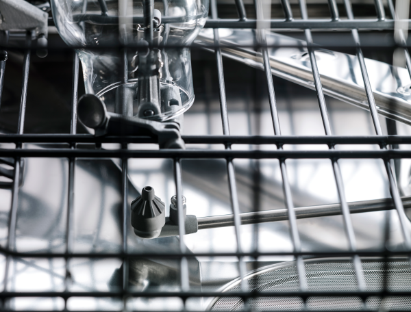 Two separate high-pressure Power Zones™ in ASKO dishwasher.