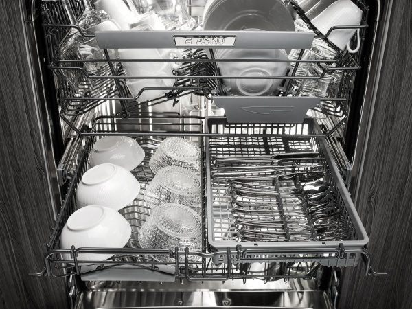 Flexible middle rack in ASKO dishwasher